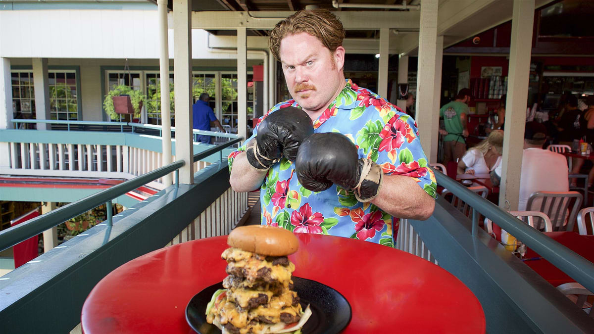 Casey takes on a whopping three-and-a-half-pound burger in Hawaii.